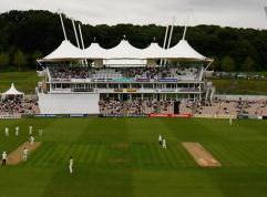 The Rose Bowl should be good for batting