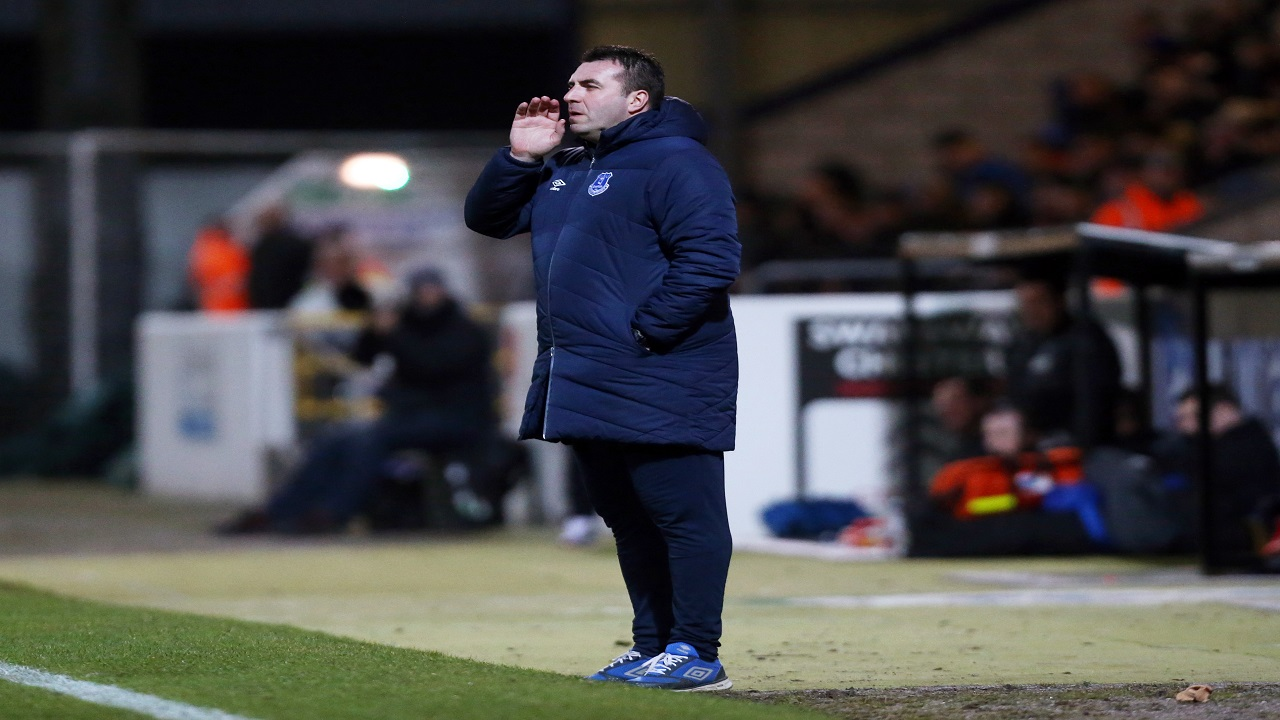 David Unsworth can guide the Toffees to a point