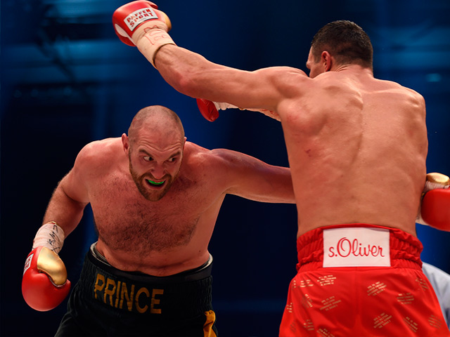 Fury unleashed on Wlad to land world titles and 9/2 shot on Saturday night