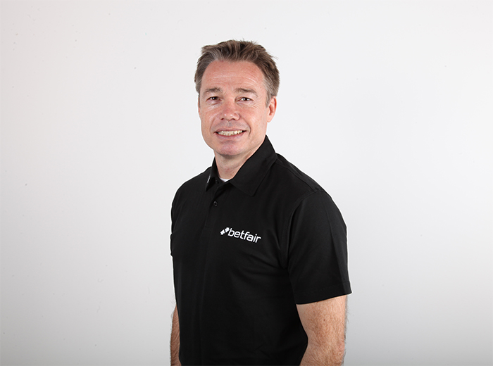 Graeme Le Saux expects goals and an entertaining game at the Etihad