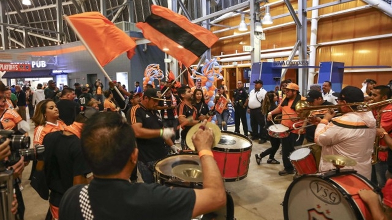 The Houston Dynamo fans will be sure to make a good atmosphere inside and outside the BBVA Compass Stadium