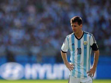 Can Louis van Gaal's tactics help stop Leo Messi?