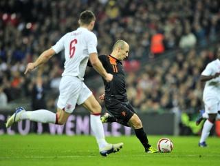 Robben scores Holland's first goal