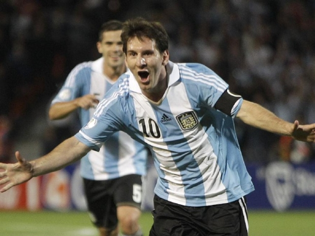 Can Lionel Messi drag Argentina into next year's World Cup?