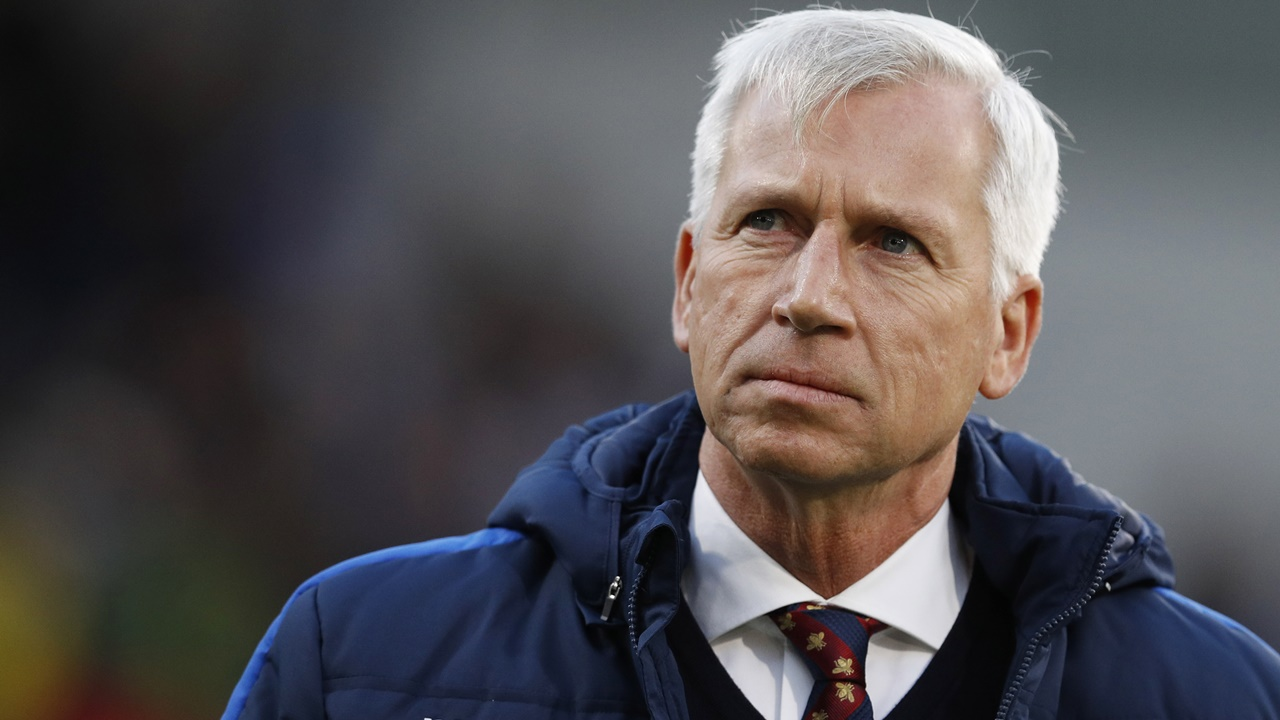 Pardew is reportedly interested in taking the job.