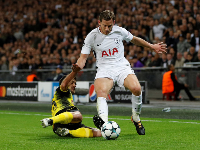 West Ham may stand off, and allow Jan Vertonghen to move forward in possession