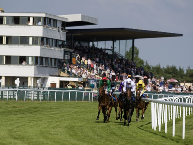 There is Flat racing from Bath on Tuesday