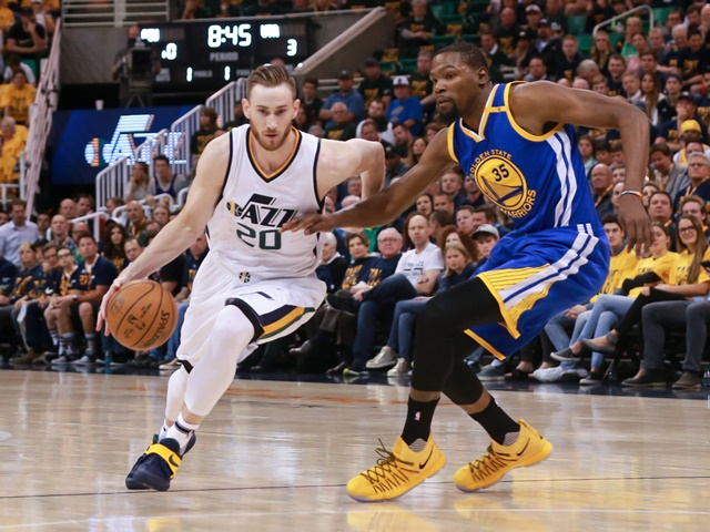 The Golden State Warriors are heavy favourites to win Game 1 v San Antonio Spurs